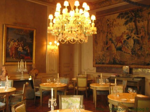 Salon de th 1728 rue d anjou une perle critik paris for Salon gastronomie paris
