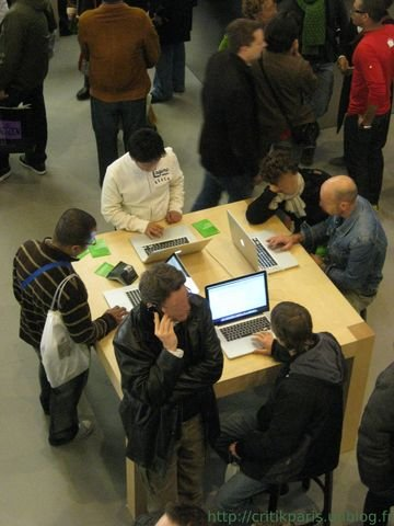 applestoreparis4.jpg