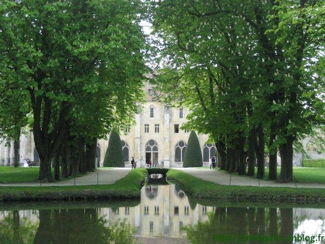 abbayeroyaumont1.jpg