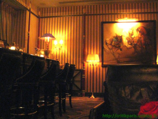Critique : Bar du Shangri-La. Luxe chiadé. dans Bars & Cafés Shangri-la-Bar-2