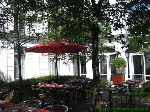 Critique : Brunch à la Villa Modigliani. Terrasse jardin, rue Delambre. dans Restaurants Villa-Modigliani-2