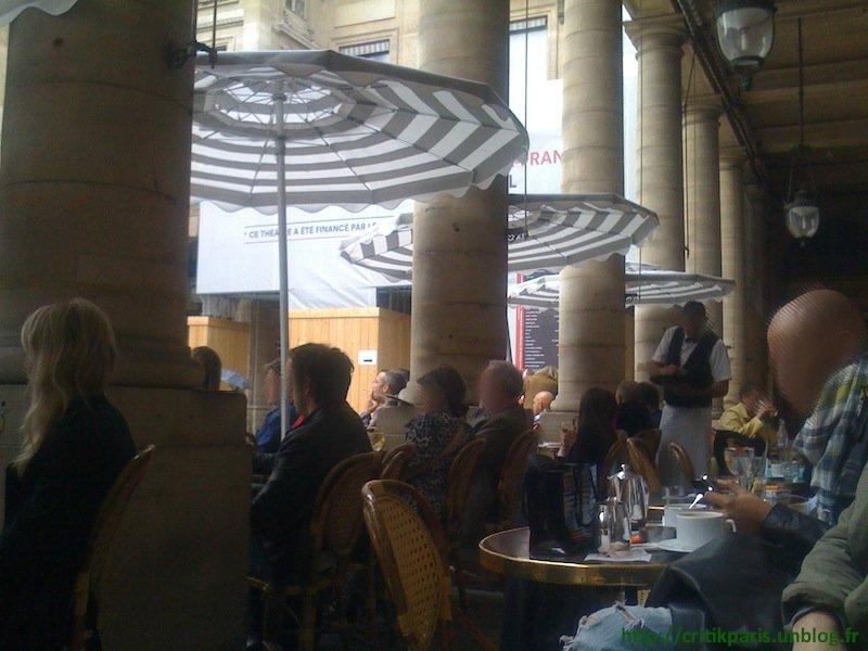 Critique : Café Nemours. Le Plus beau banc public de Paris. Comédie Française. dans Bars & Cafés Caf%C3%A9-Nemours-Paris