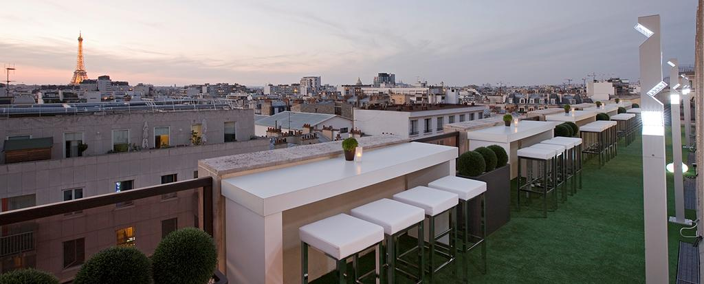 Critique : Rooftop bar au Lounge View Novotel Montparnasse Vaugirard. dans Bars & Cafés