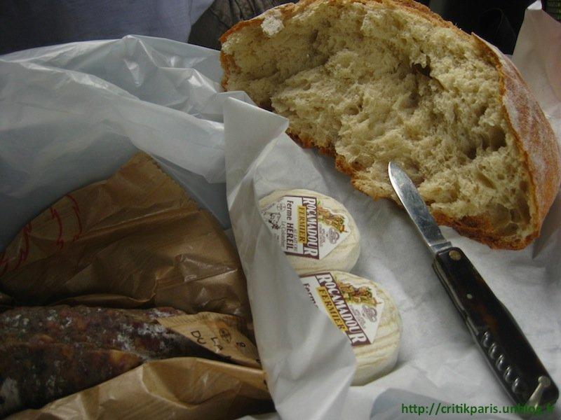 L'art du pique-nique à Rocamadour. dans A emporter Pique-Nique-Rocamadour