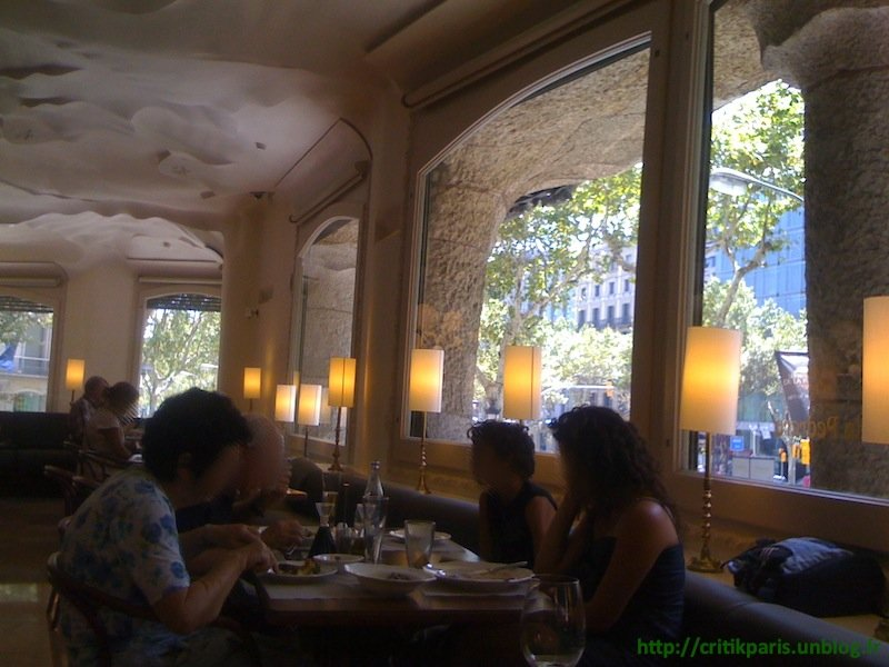Cityguide : Quelques adresses à Barcelone. Bars et restaurants. Bons plans. dans Bars & Cafés Restaurant-La-Pedrera-Barcelone-1