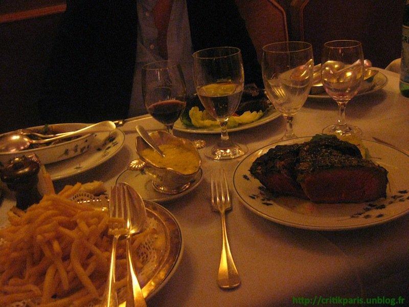 restaurant-le-voltaire-1 dans Luxe