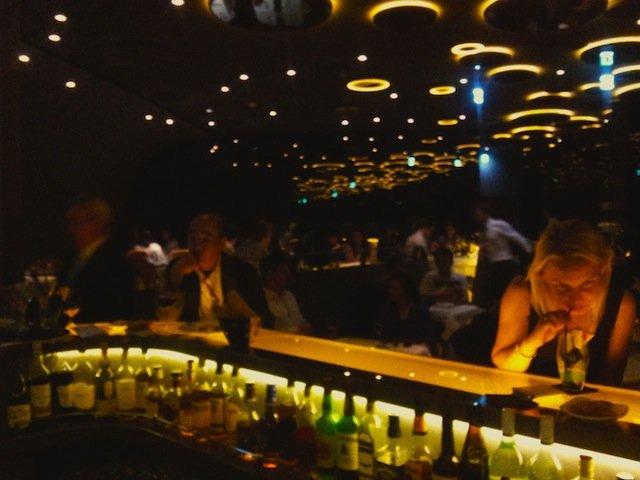 Critique : Bar du Ciel de Paris, Tour Montparnasse. Paradis ou enfer ? dans Bars & Cafés ciel-de-paris-2