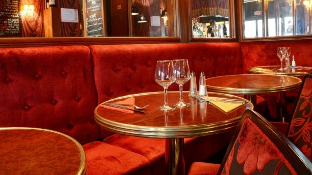 Critique : Le Tire Bouchon - Rue de Berri. dans Restaurants tire-bouchon